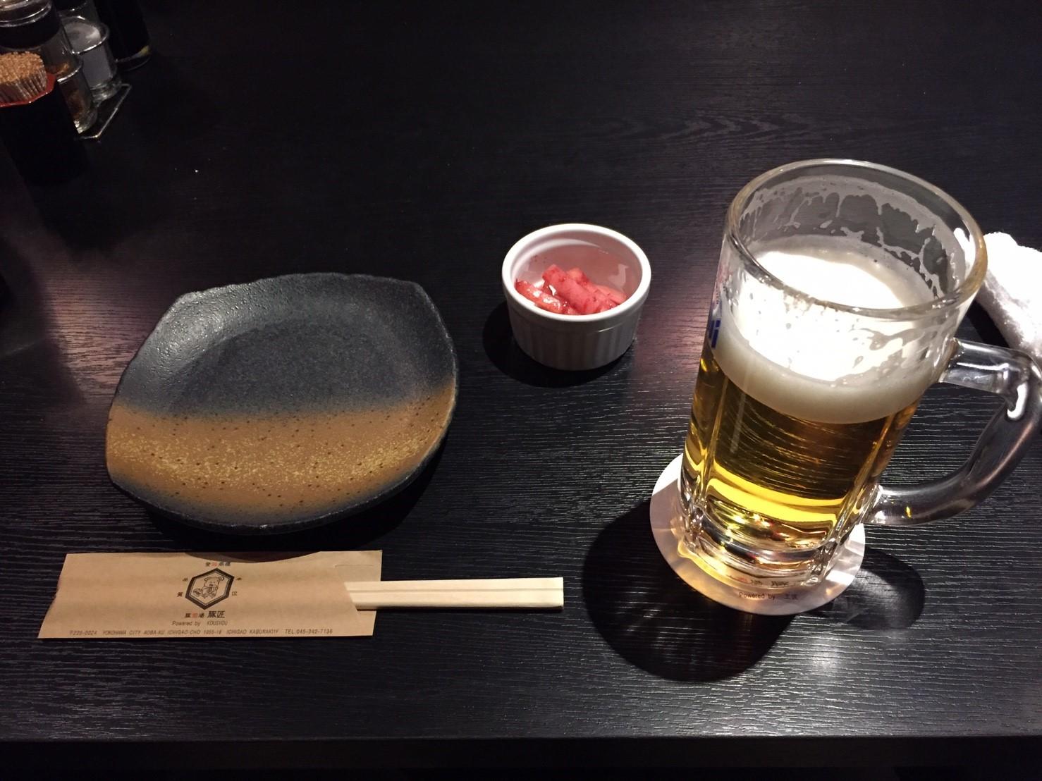 居酒屋『豚匠』のビールとお通し