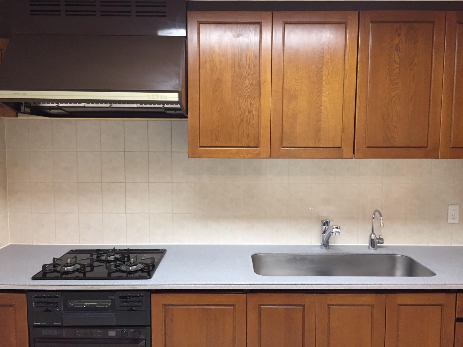 リフォーム後のキッチン 《 Asia Home 施工事例001 横浜市中区 3LDKマンション 》