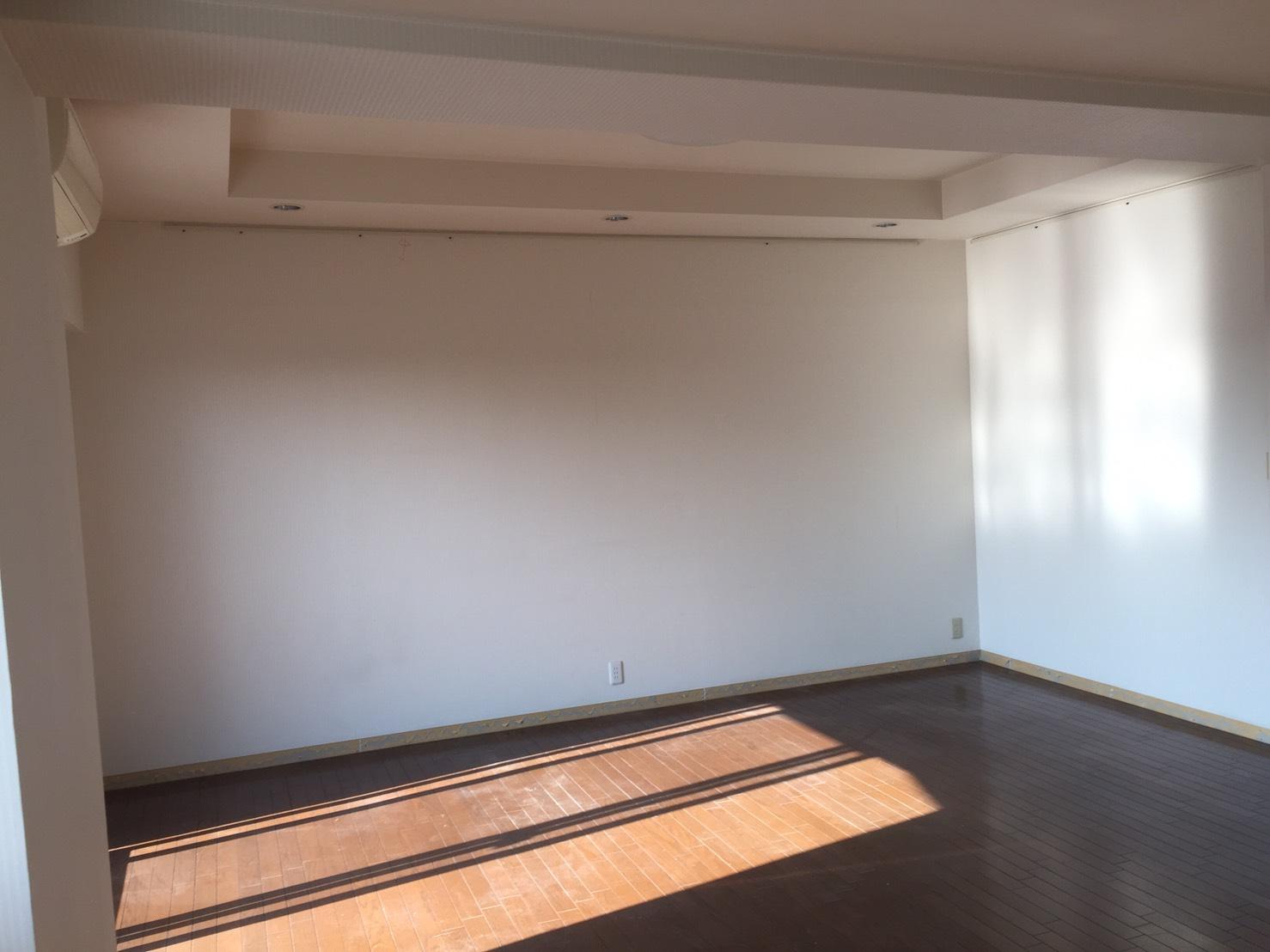 【 Before 03 】 リフォーム前のリビング 《 Asia Home 施工事例001 横浜市中区 3LDKマンション 》