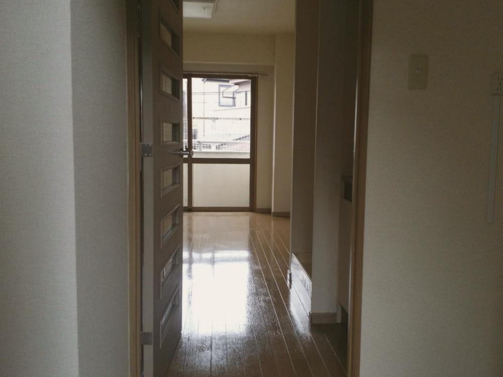 ハウスクリーニング後のマンション室内_02 《 Asia Home 施工事例002 川崎市麻生区 1Kマンション 》