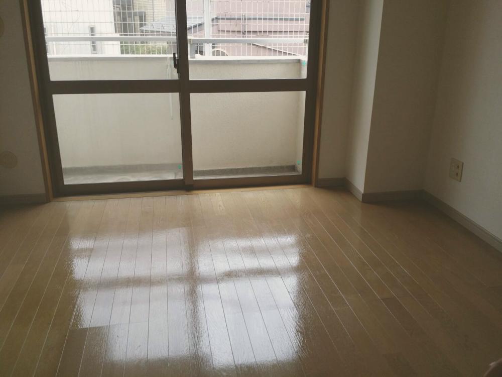 ハウスクリーニング後の洋室_01 《 Asia Home 施工事例002 川崎市麻生区 1Kマンション 》