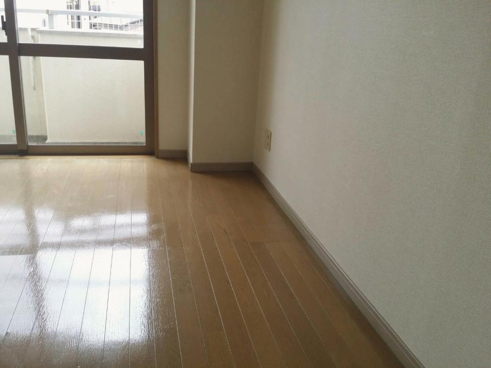 ハウスクリーニング後の洋室_02 《 Asia Home 施工事例002 川崎市麻生区 1Kマンション 》