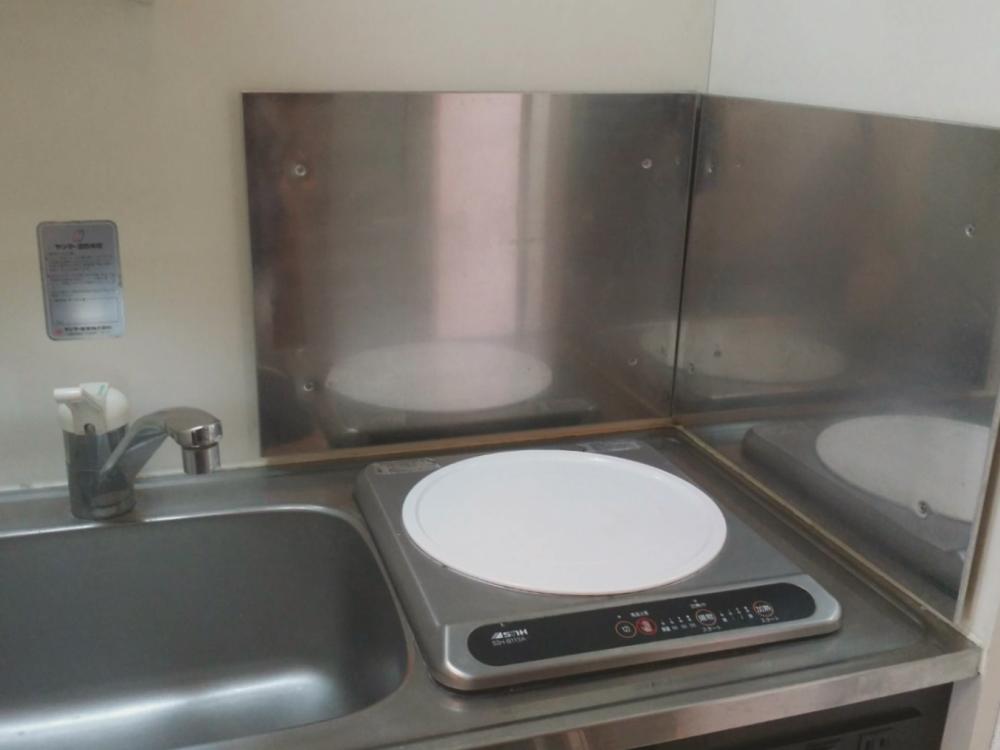 ハウスクリーニング後のキッチン 《 Asia Home 施工事例002 川崎市麻生区 1Kマンション 》