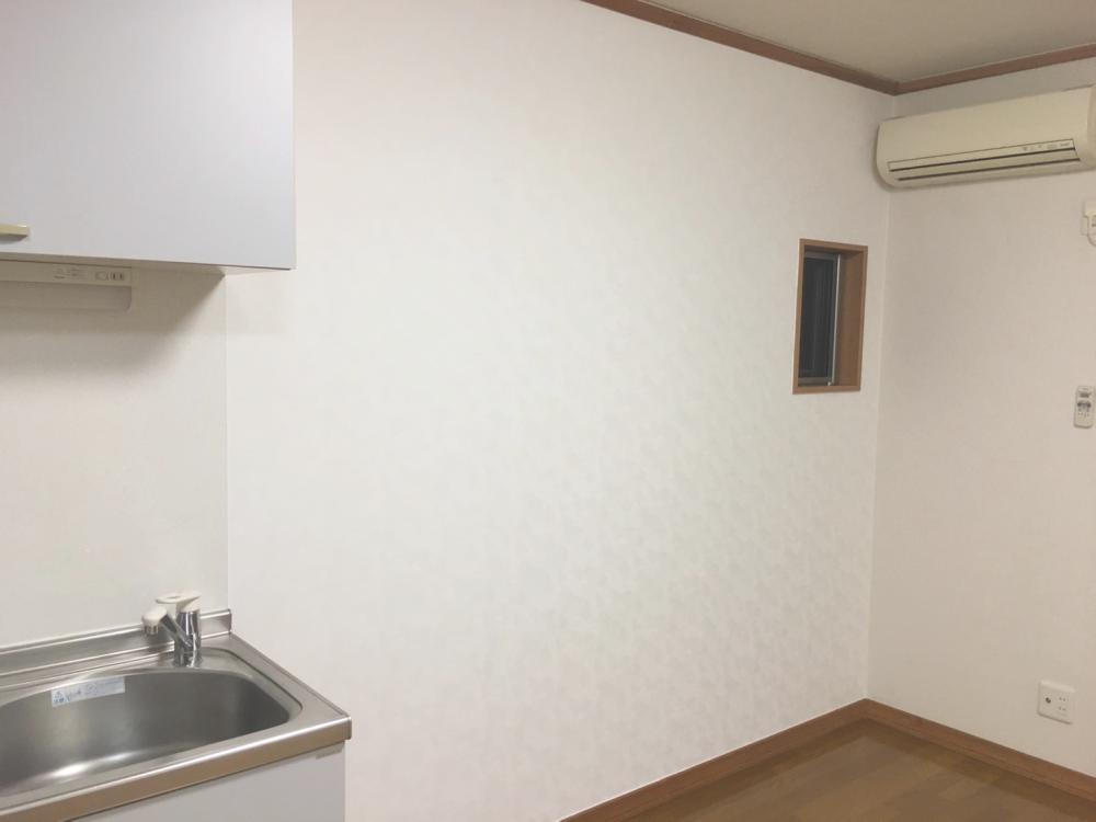 クロス(壁紙)貼り替え後の室内_01 《 Asia Home 施工事例003 横浜市港北区 2LDK テラスハウス 》