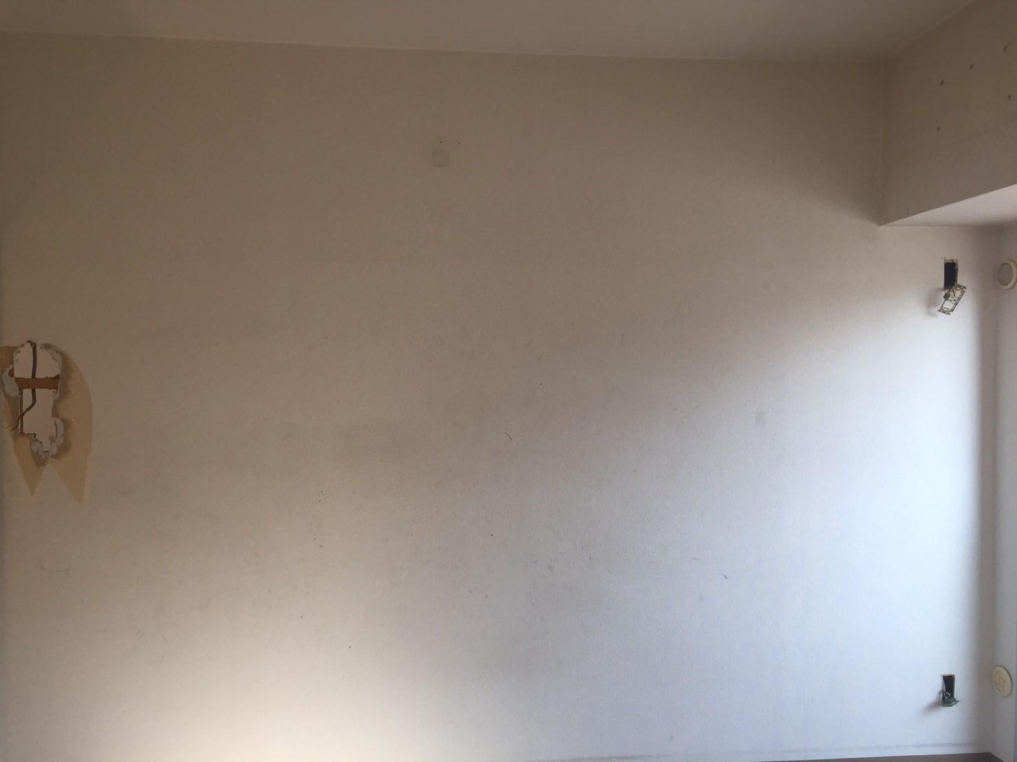 間仕切り壁の撤去前_その3 《 AsiaHome(エイジアホーム)移転に伴うリノベーション工事 》